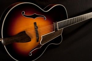 Eastman_AR805CE_Sunburst_Archtop_Guitar-top3